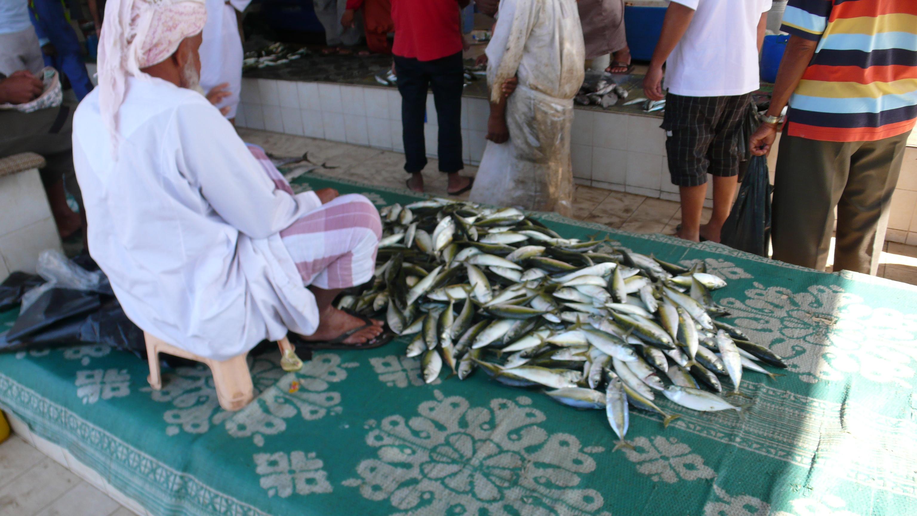 Fish-sellers, fish-buyers, fish-eaters  Muscat    spiritopellegrino